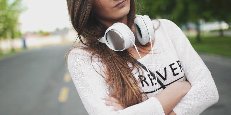 Kopfhörer modebewusst tragen und besten Klang geniessen