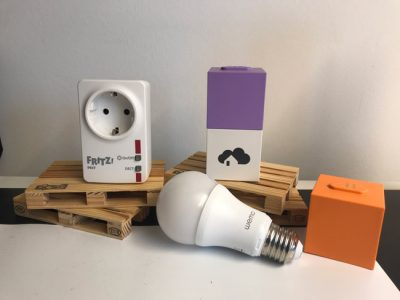 homee Smart Home Cubes mit Smart Home Zubehör
