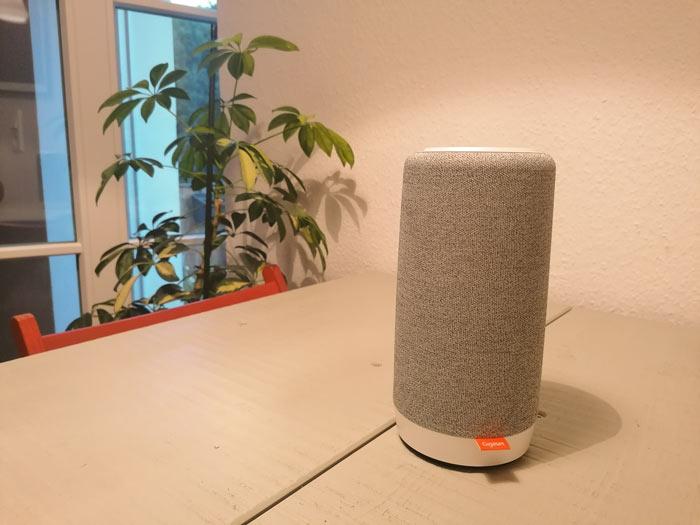 Ruhiger Standort des Speakers in der Wohnung