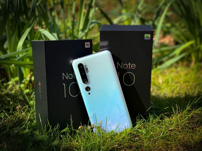 Mi Note 10 in Glacier White