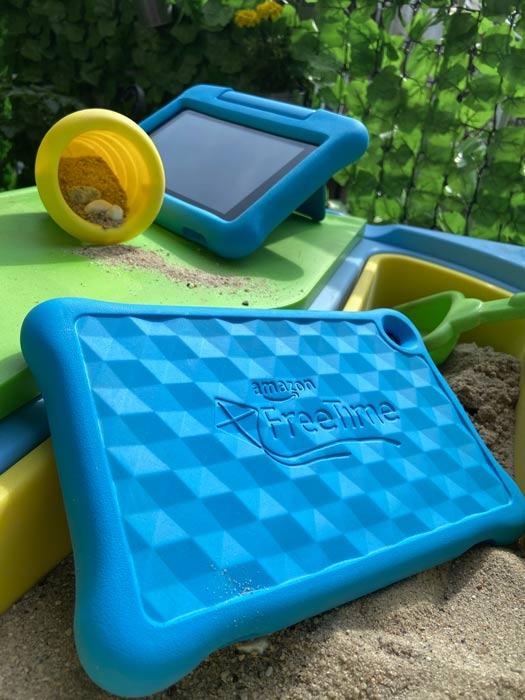 Fire Tablet Kids Edition Geräte im Sandkasten